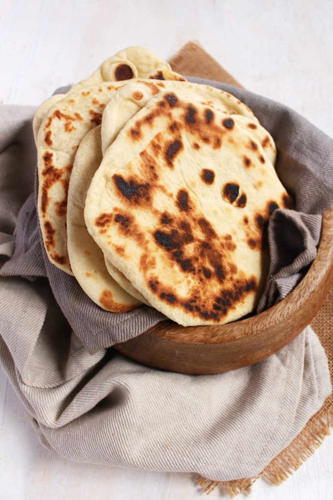 vegan naan bread | Detailed step-by-step guide on how and why to make vegan naan bread | Brokefoodies.com