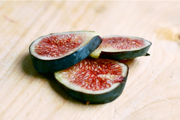 Figs served with cherve and a balsamic reduction, via brooklynsupper.net; ©Brooklyn Supper, all rights reserved