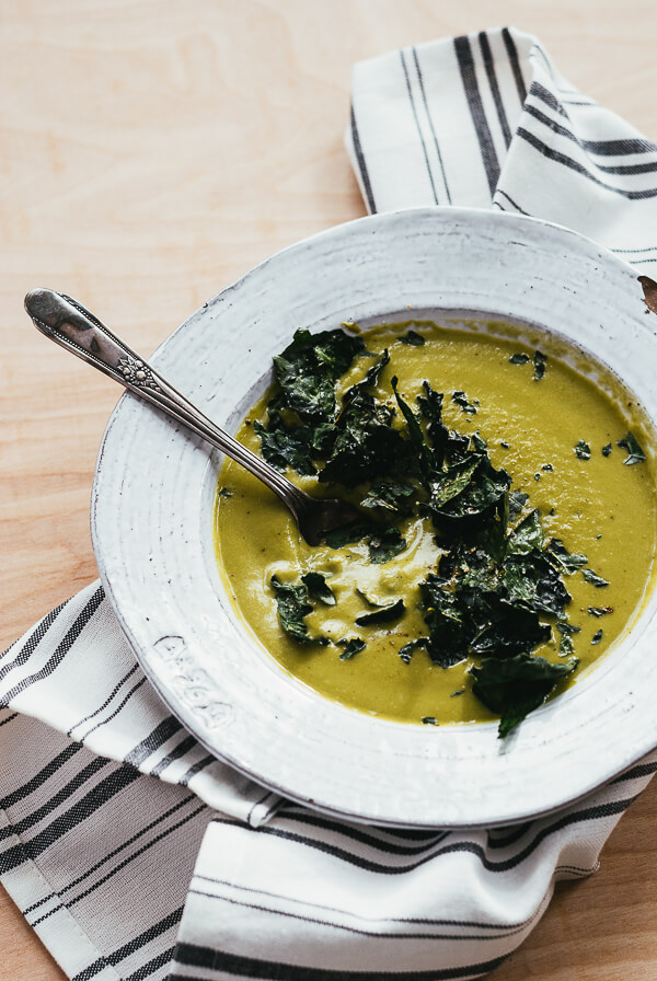 kale cauliflower soup with kale chips // brooklyn supper