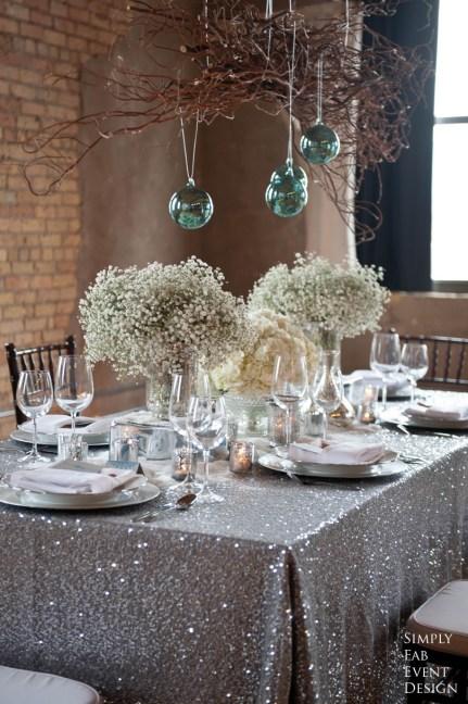 Sølvdekket bord
