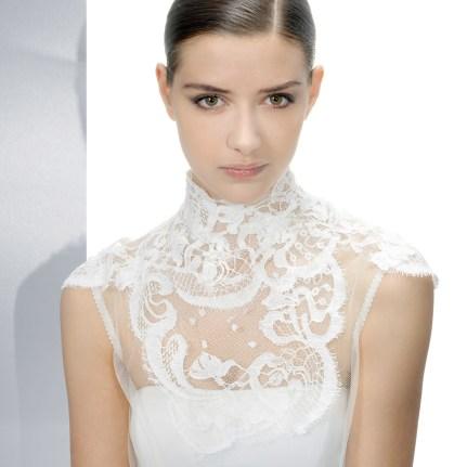 høyhalset brudekjole