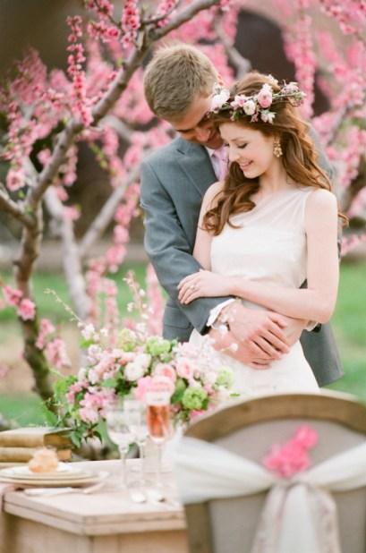 bryllupsinspirasjon-kirsebær-fersken-blomstring-bryllupsblogg-jen-fariello-rosa-tema