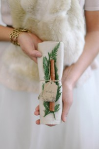 vinterbrud-vinterbryllup-bryllupsbord-serviett