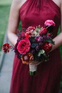 plomme-oliven-gull-fersken-bryllupsfarger-brudebukett