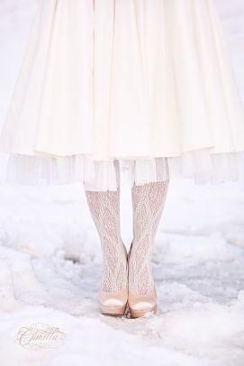 vinterbryllup-inspirasjon-brudestrømper-blonder