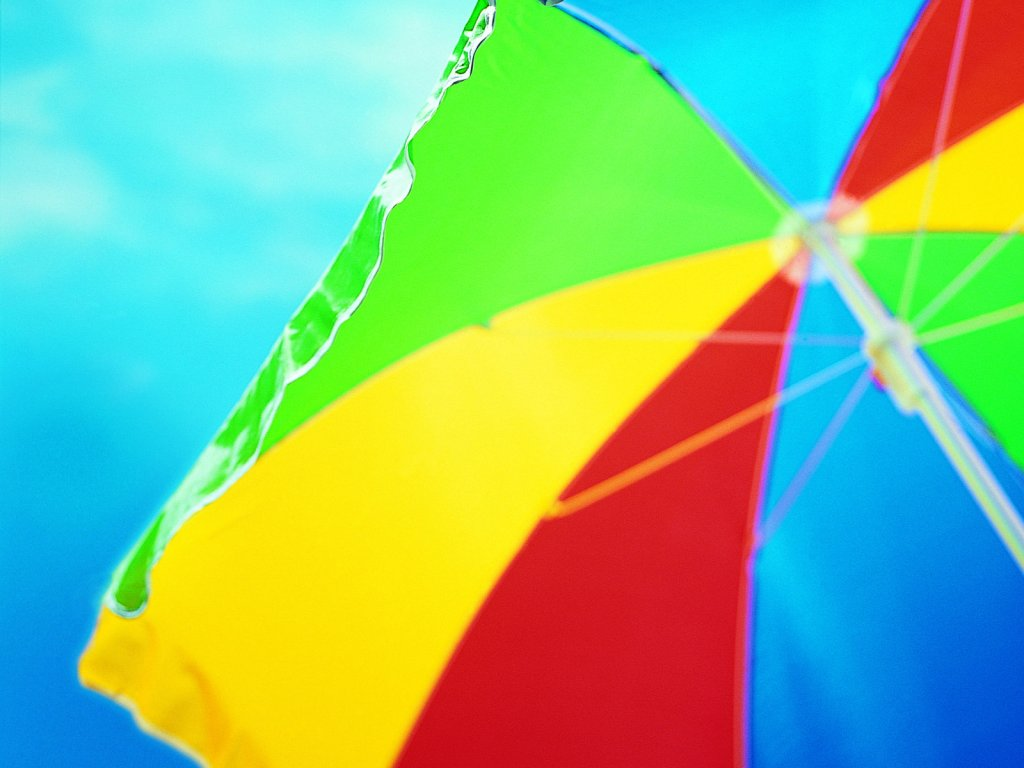 clourful-beach-umbrella_72331-1024x768