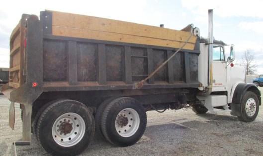 14 cu yd Triaxle Dump Truck