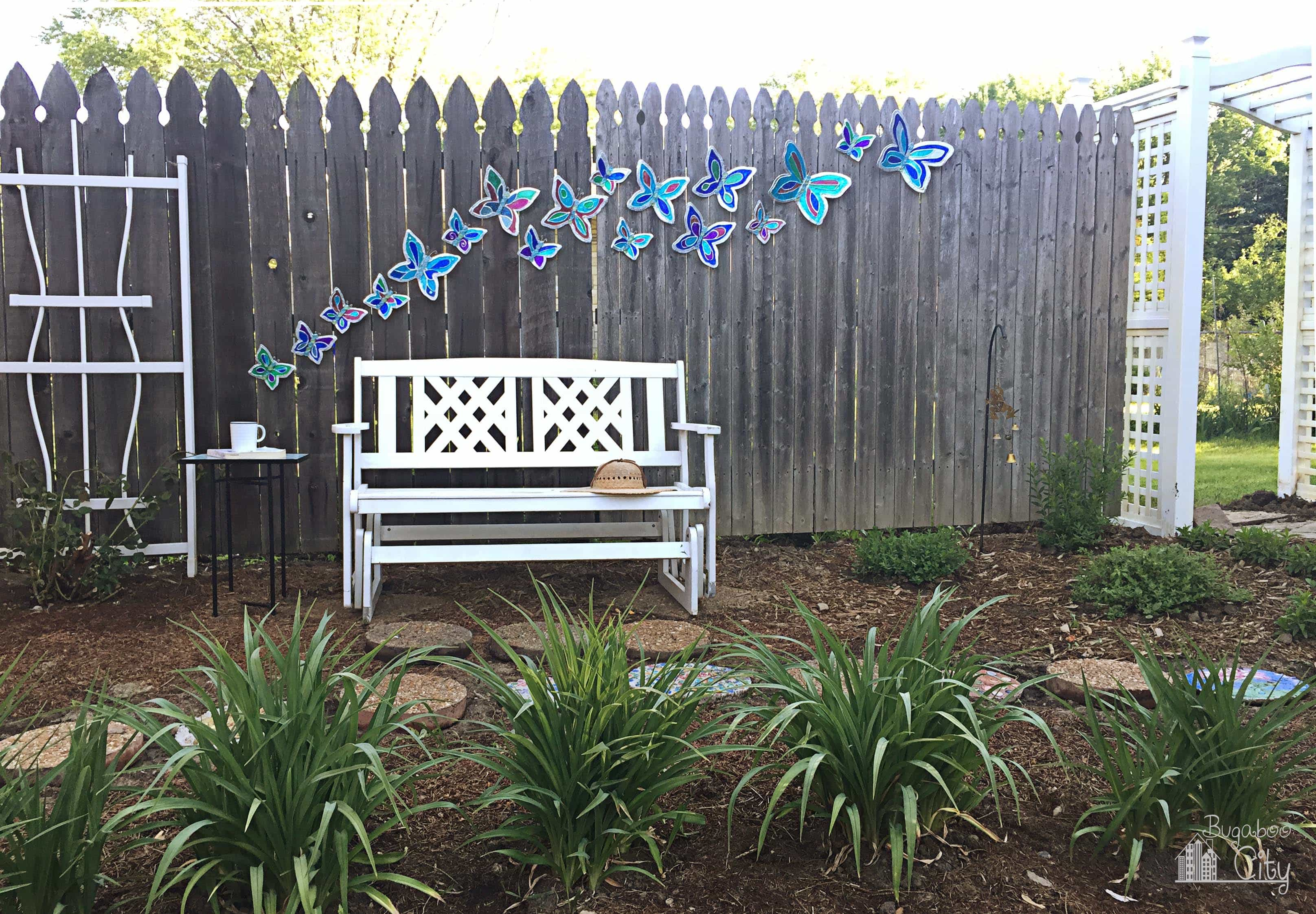 diy butterfly garden ornament bugaboocity. Black Bedroom Furniture Sets. Home Design Ideas