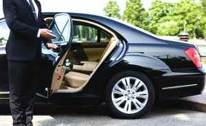 Limousine-service door