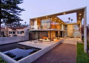 SAN DIEGO CONCRETE HOUSE DESIGN WITH THE INTERIOR AND EXTERIOR LIVING SPACES ALMOST EQUALLY DIVIDED (20)