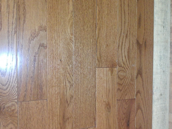 Gun stock oak hardwood flooring in stock discount sale pre for Hardwood floors of lancaster