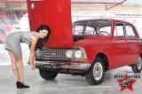 """Авторитетният Москвич-408 с цели 4 фара е част от Ретро Музея във Варна. задължителен атрибут на колата-соц-легенда е манивелата.През есента на 1965 г. между България и СССР е подписана спогодба за икономическо сътрудничество, според която до края на 1968 г. завод """"Балкан"""" в Ловеч трябва да бъде напълно окомплектован и готов за монтаж на 15 000 леки автомобила Москвич 408 годишно. На 4 ноември 1966 г. от монтажната линия на завода слиза първият лек автомобил """"Москвич 408"""". Общо през периода 1966–1990 в България са сглобени 304 297 броя Москвич 408, Москвич 408И, Москвич 412 и Москвич 2141 """"Алеко""""."""