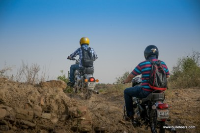 bulleteers ride to the nareshwar temples near the mawai dam in gwalior for breakfast ride on sunday