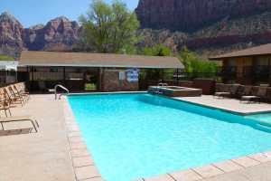 swimming-pool-in-springdale-utah