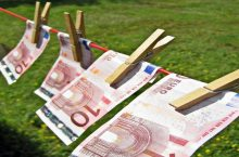 soldi_euro(Images_of_Money@flickr.com)