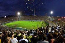 tifosi-calcio-stadio_(JimmyBaikovicius_5513391041@flickr_CC)