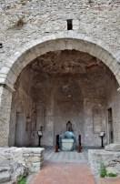 Tomba Arnaldo da Villanova al Castello di Montalbano Elicona