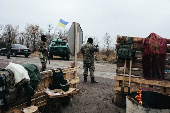 Checkpoint on the outskirts of Artemivsk, on the road to Horlivka, October 2014