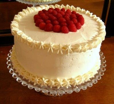 Torta de almendras y  frambuesas