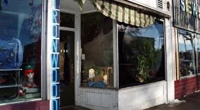 Broadway vintage shop calls it quits