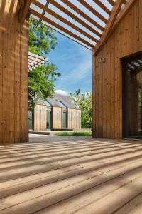 Modern Wooden House Design - Open to Nature Outside of ...