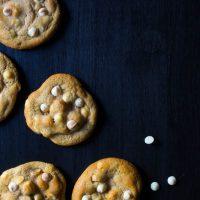 perfect white chocolate macadamia cookies