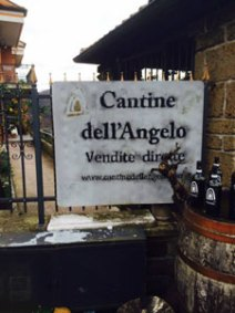 L'ingresso alle Cantine dell'Angelo