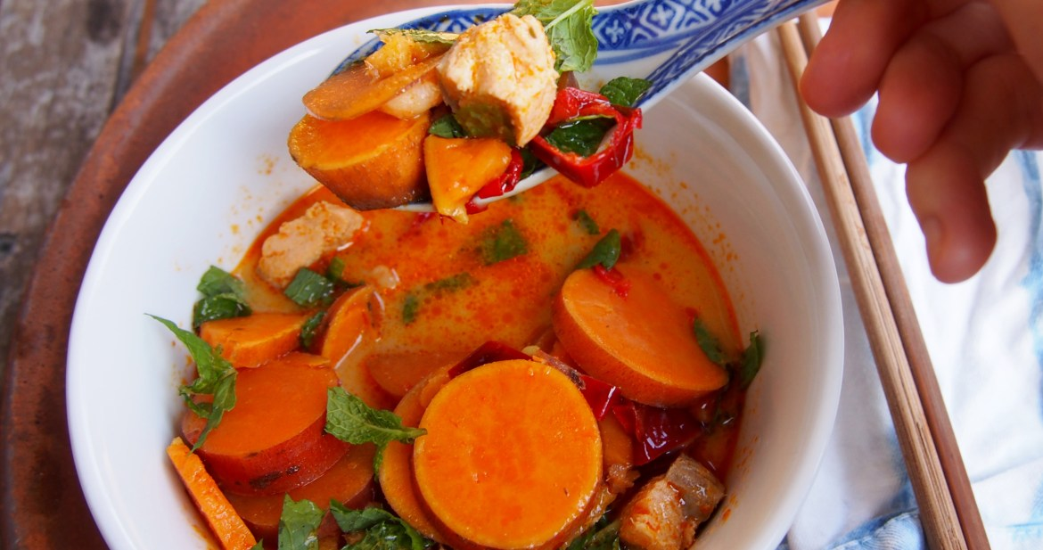 Red Thai Curry with Seafood & Sweet Potato. recipe over on www.therosedogblog.me