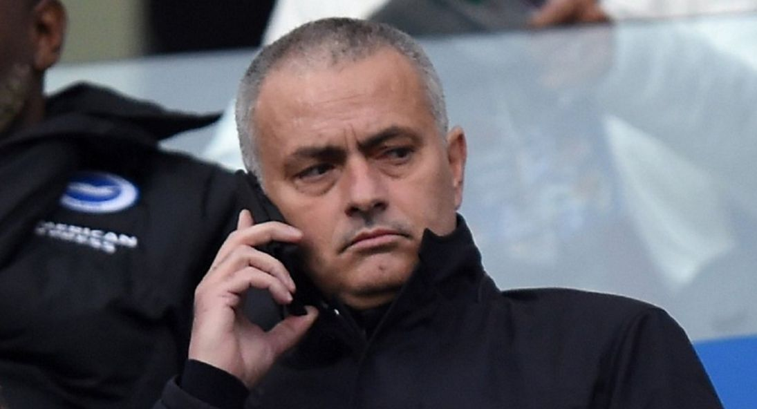 Chelsea to hijack Mourinho's first Man Utd deal for £24m superstar