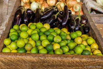 The market in Arusha: selling small limes