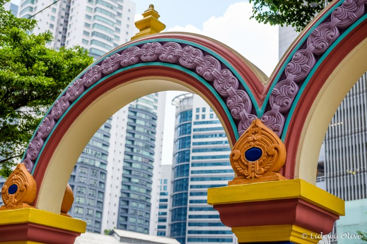 Traditional and new in little India, Kuala Lumpur