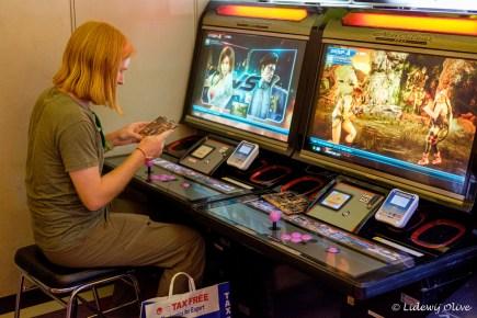Playing Tekken in Akihabara