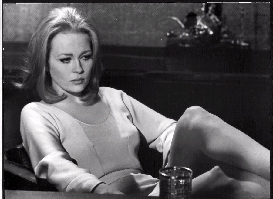 Cable Car Black And White Wallpaper Faye Dunaway 75 Nitrateville Com