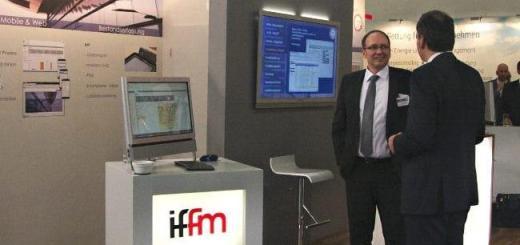 Hat gut Lachen: Sören Schmahl, Geschäftsführer von iffm, wurde mit dem Best Paper Award der FM-Messe 2015 ausgezeichnet