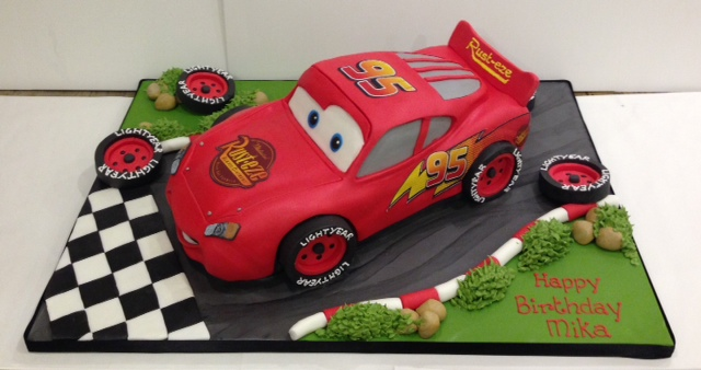 Lightening Mcqueen And Cars Birthday Cakes Cakes By Robin