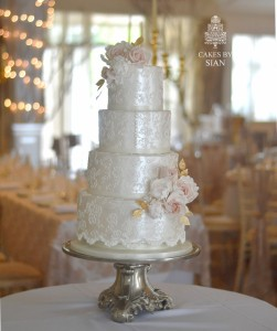 Lace and lustre wedding cake