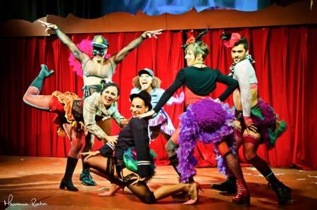 """Festival de Circo - Teatro de Anônimo no espetáculo """"Noites de Parangolé"""""""