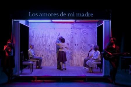 3_Espetáculo-Melancolia-y-Manifestaciones_Direção-Lola-Arias