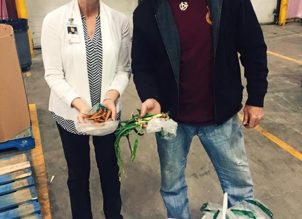 Grow Calgary made many trips into the food bank in the summer and fall to donate fresh veggies like onions, tomatoes, zucchini, potatoes and more!