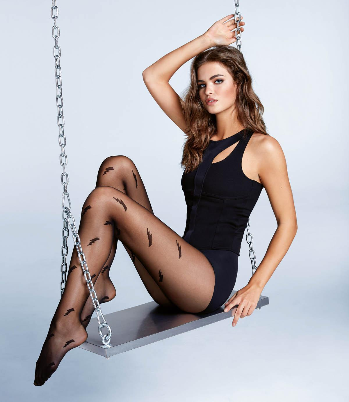 Spring Girls Wallpapers Calzedonia Spring Legwear Trends Calin Group S A