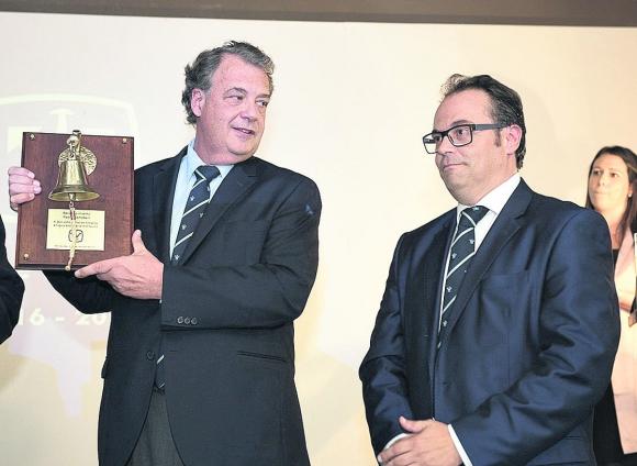 Centro de Navegación premió al Cr. John Christian Schandy