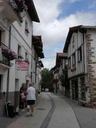 Roncesvalles - Larrasoana 08 Zubiri 01