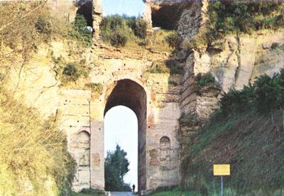Arco Felice Vecchio, chiusa la strada