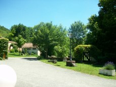 allée Camping Moulin de Julien