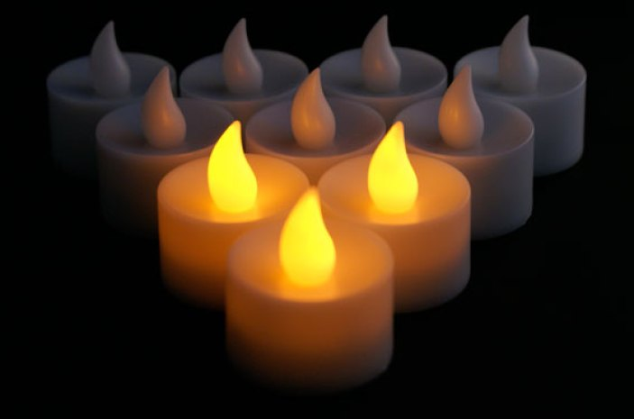 battery operated tea light candles 2 rechargeable flameless tea light. Black Bedroom Furniture Sets. Home Design Ideas