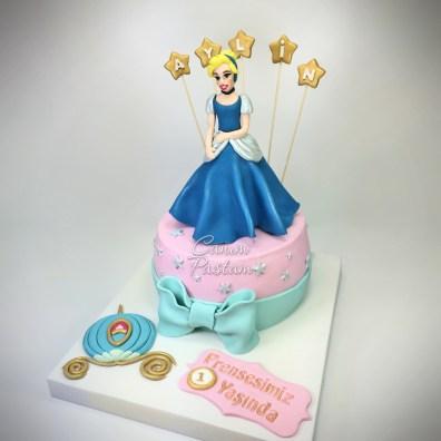 Prenses Pasta Cindrella Cake 1 Yaş Pastası