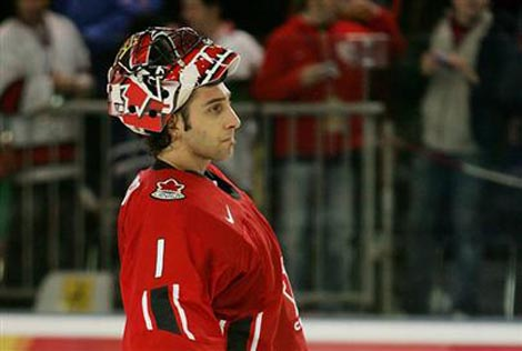 Roberto Luongo starts for Team Canada