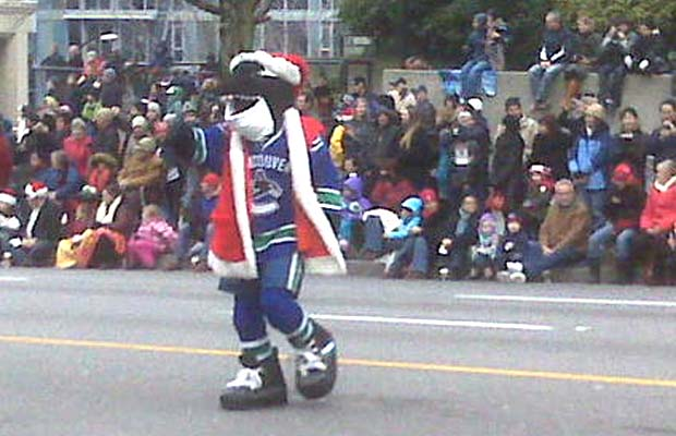 Fin, Canucks, Santa Claus Parade