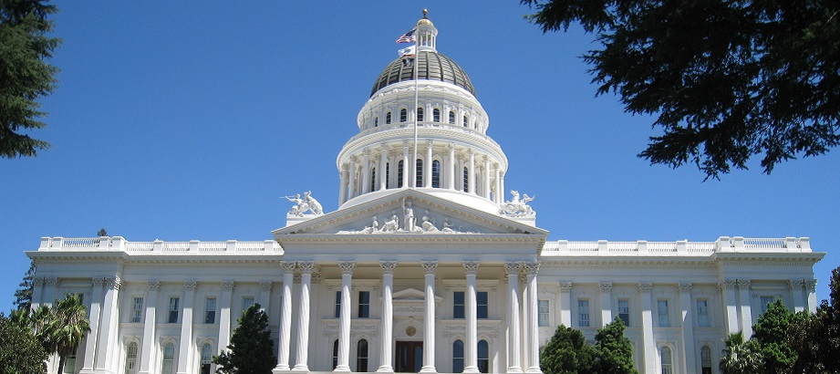 an image of the California State Capital Building in Sacramento