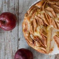 Torta alle mele con crema pasticciera